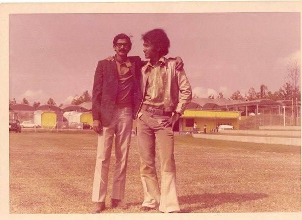 বায়ে শেখ কামাল। ডানের জন আমাদের রুহেল ভাই। জার্মানি, মিউনিখ, ১৯৭।